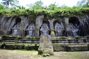 640px-1_gunung_kawi_temple