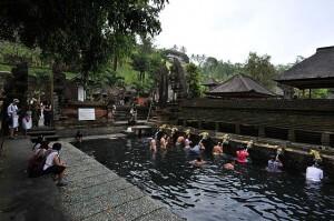640px-1_tirtha_empul_temple