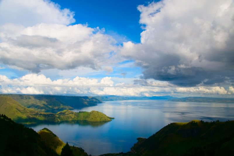 Le Lac Toba, le plus grand lac volcanique du monde